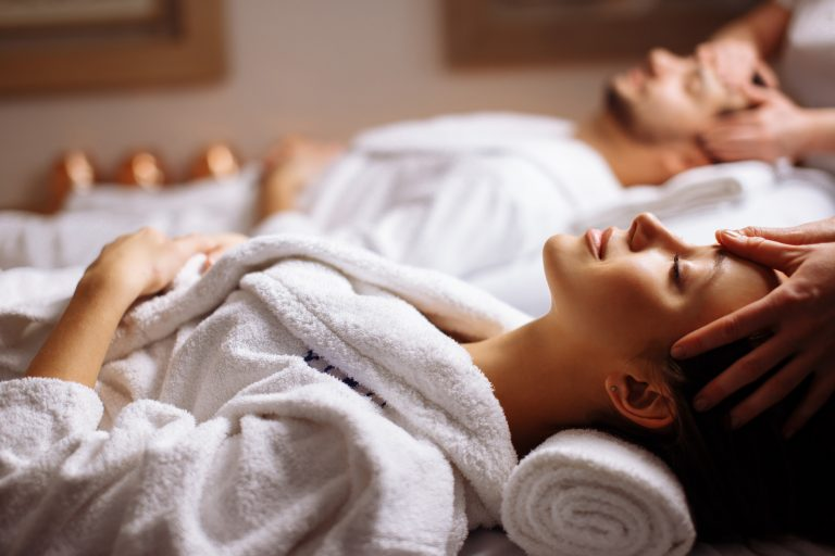 What are the Therapeutic Benefits of Going to a Spa?