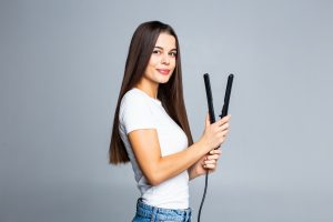 What You Need to Know Before Straightening Your Hair